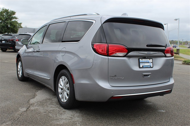 Pre-Owned 2018 Chrysler Pacifica Touring L